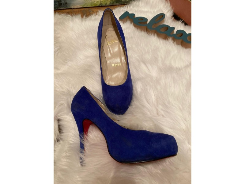 Christian Louboutin original.SIMPLE PUMP HEELS