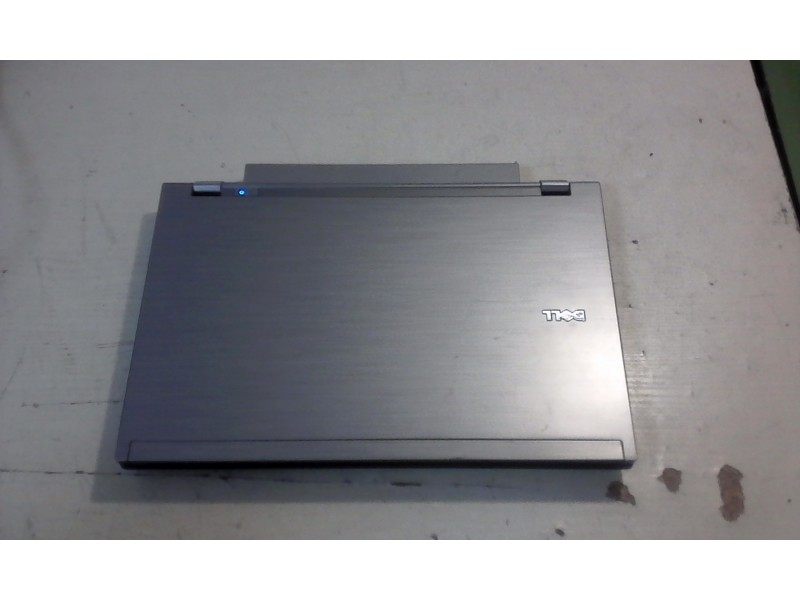 DELL Latitude E4310 - ( i3 core)