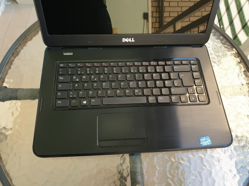 Dell Inspiron 3520 - (i5, 6gb DDR3 Ram, 320gb HDD)