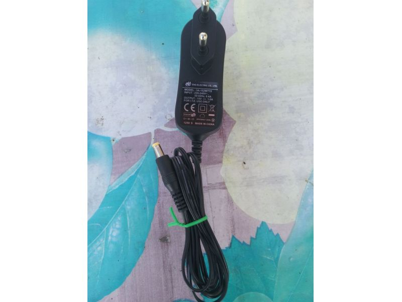 ENG adapter 15V-1A