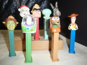 LOT PEZ FIGURICA 8kom
