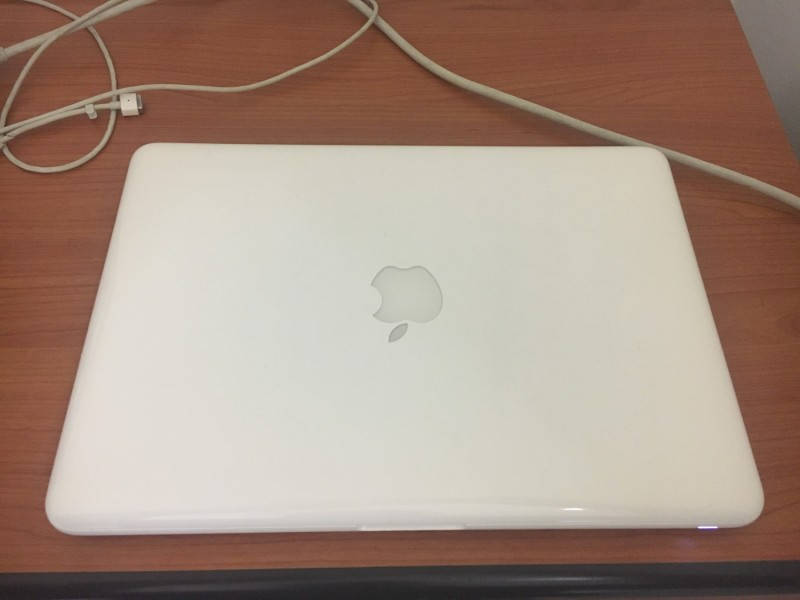 Odličan MacBook (late 2009)