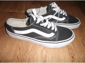 Vans of the wall br. 36,50