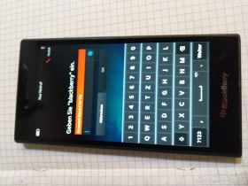 mobilni telefon blackberry leap
