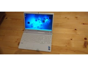 soni vaio 15,6 led i5 M430 2,27ghz/4GB DDR3/320HD